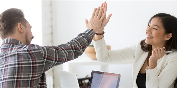 How to Give Praise in the Workplace